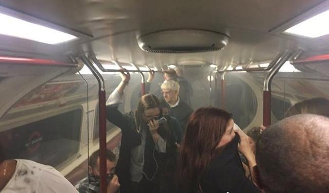 Londra metrosunda yangın