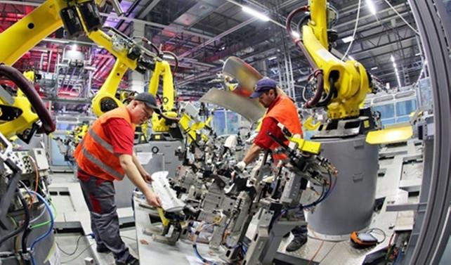 Avrupa'da sanayinin çarkları yavaşladı