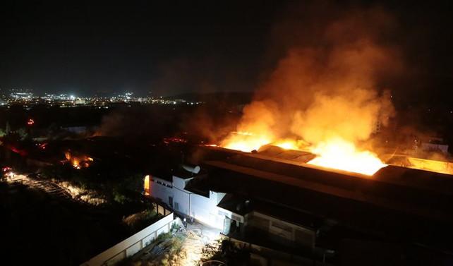 Gaziantep'teki fabrika yangını söndürüldü