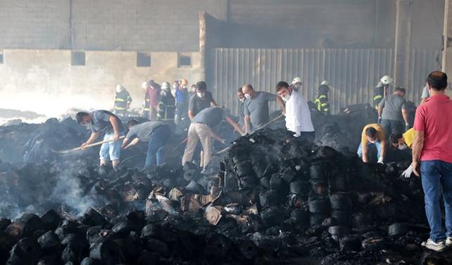 Fabrika yangınının ardından kriz masası kuruldu