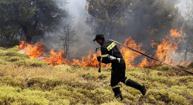 'Komşu'daki yangın 3 gündür söndürülemiyor