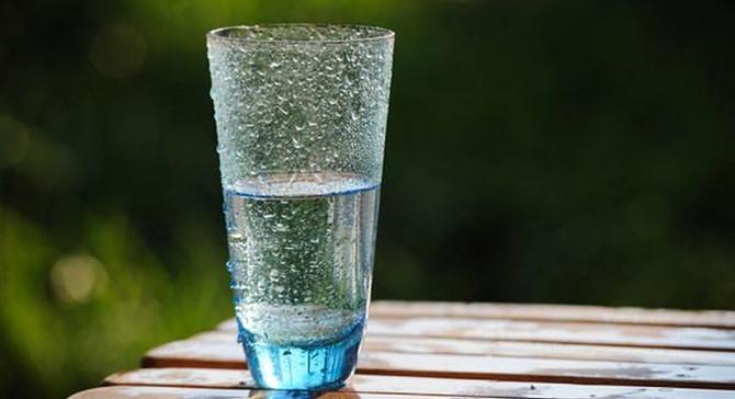 İnsanın boğazını gıdıklıyor: Maden suyu