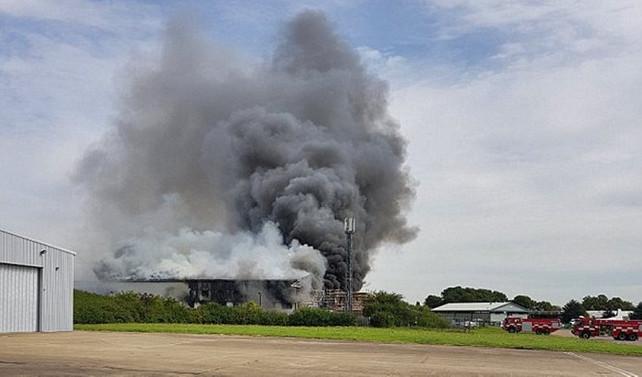 İngiltere'de havalimanında yangın