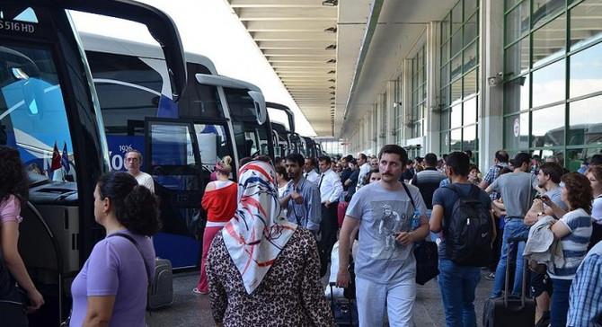 Otobüs biletlerinin yüzde 80'i tükendi