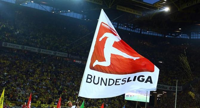 Bundesliga'da lig perdesi yarın açılıyor