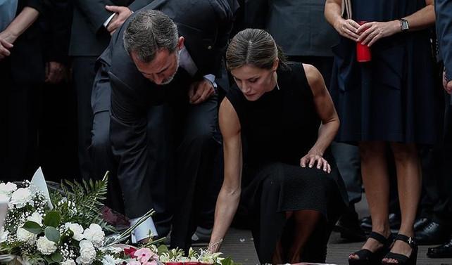İspanya kralı, Barselona'da mum yaktı