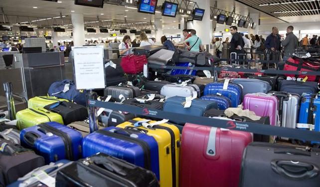 Brüksel'de havalimanı personeli greve gitti