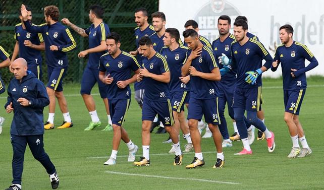 Fenerbahçe, Vardar maçı hazırlıklarını tamamladı