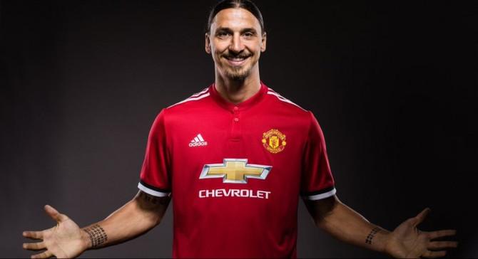 Ibrahimovic, 1 yıl daha Manchester United'da