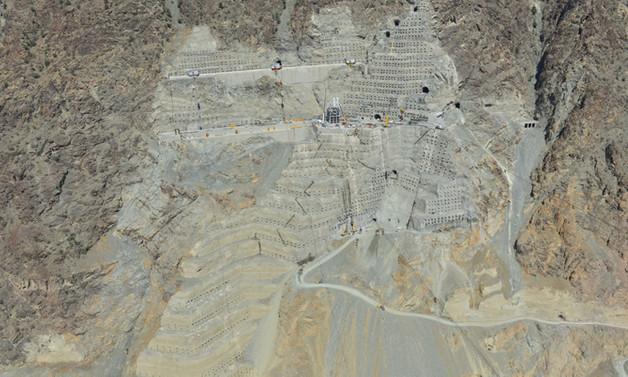 Türkiye'nin en yüksek barajının yarısından fazlası tamamlandı