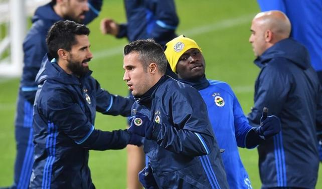 Fenerbahçe'de iki oyuncudan kötü haber