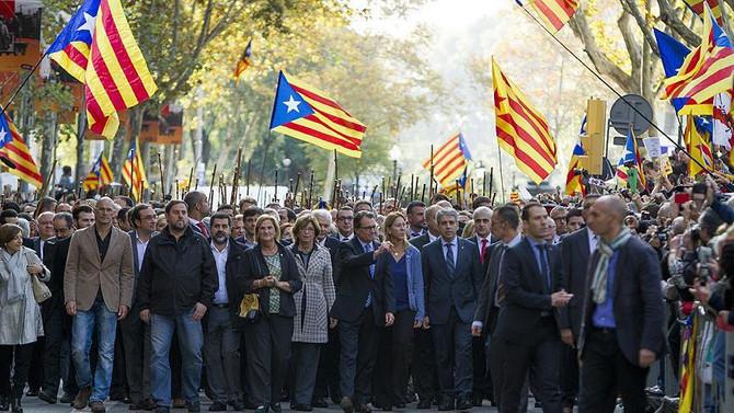 'İspanya'dan Kopma Yasası'nı tanıttılar