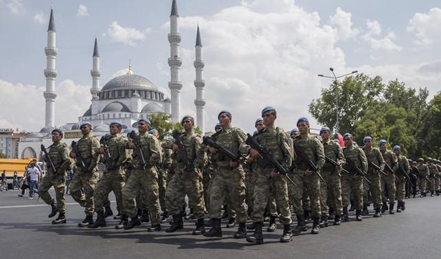 Ankara'da geçit töreni düzenlendi