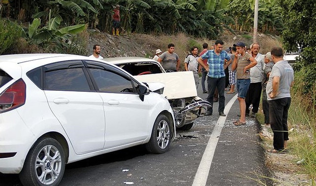Alanya'da trafik kazası: 12 yaralı