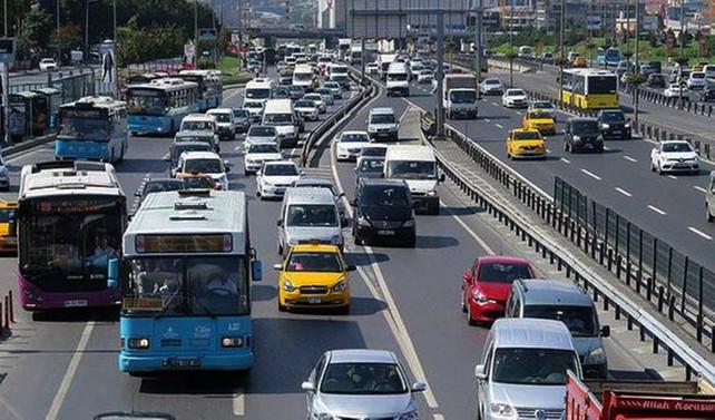 Trafiğe ilk 6 ayda 600 bin yeni araç çıktı
