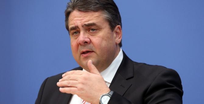 Almanya, Türkiye'ye silah ihracatını durdurdu