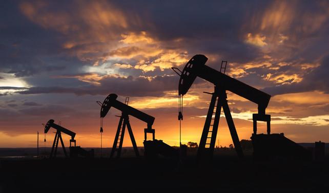 Brent petrolün varil fiyatı 55 dolar seviyelerinde