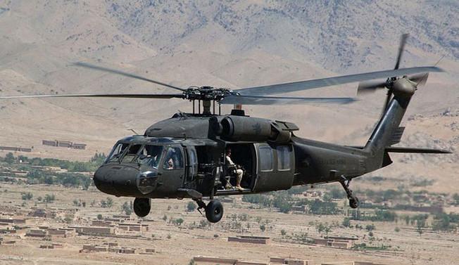 ABD, Afganistan'a 6 helikopter hibe etti