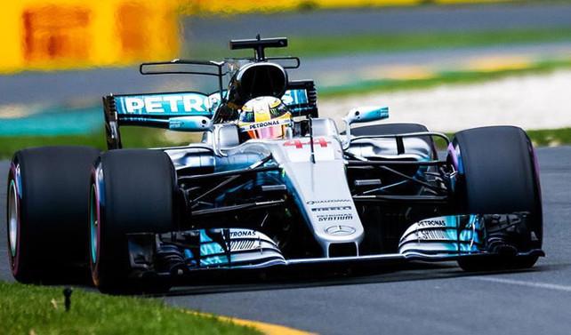 İtalya'da Hamilton pole pozisyonunda başlayacak