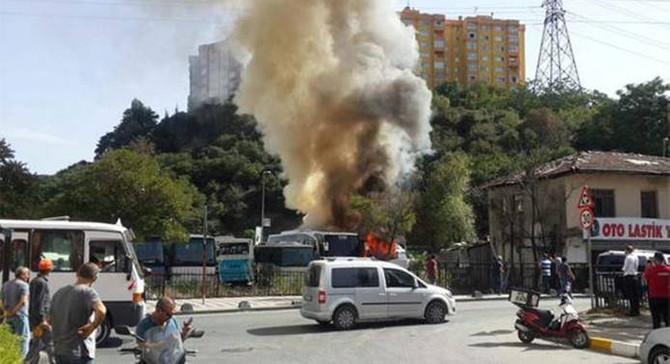 Sarıyer'de park halindeki 5 araç yandı