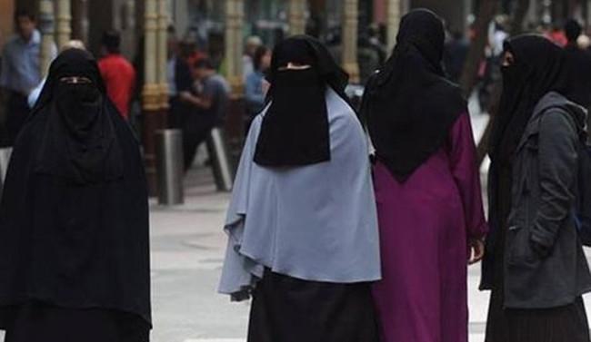 Avusturya'da burka yasağı 1 Ekim'de başlıyor