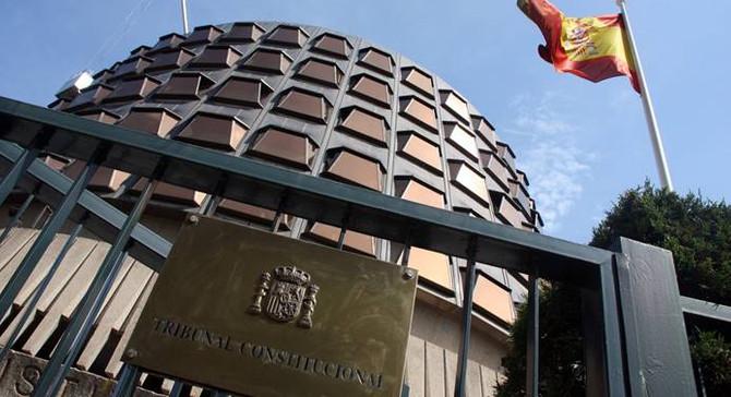 Katalonya'da referandum için çalışan yöneticiye para cezası