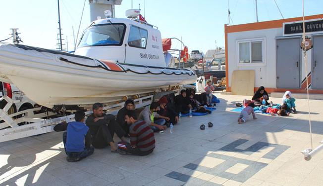 Balıkesir'de 126 kaçak göçmen yakalandı