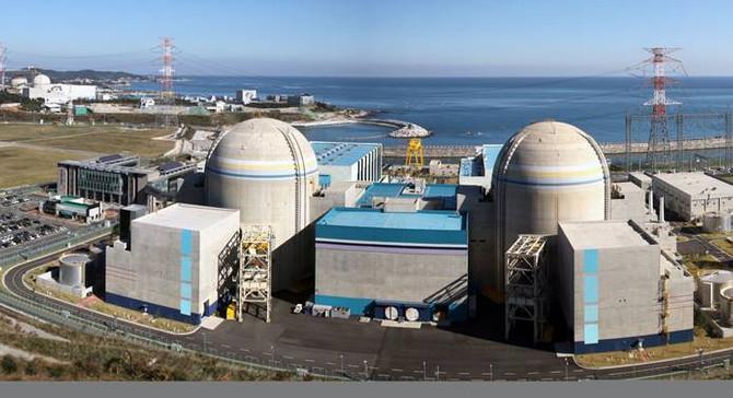 BAE, ilk nükleeri tamamlamak üzere