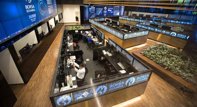Borsa hafif düşüşle açıldı