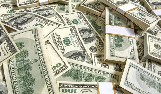 Serbest piyasada dolar 3,5620 seviyesinde