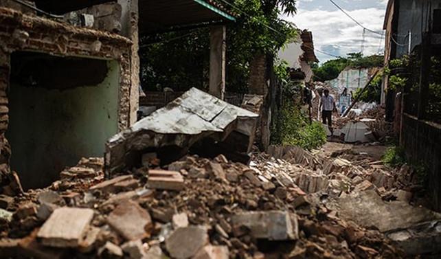 Meksika'da ölü sayısı 345'e çıktı