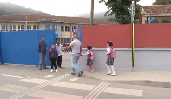 Okul çevrelerinde sıkı denetim