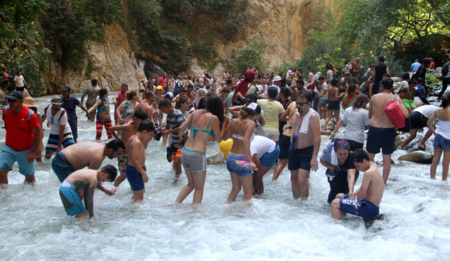 Saklıkent Kanyonu'nda bayram yoğunluğu