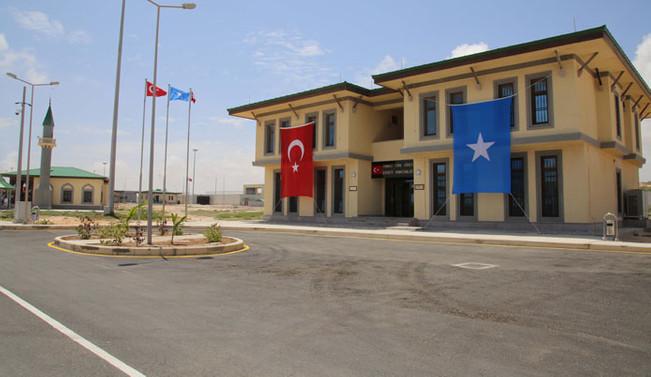 Türkiye'nin yurtdışındaki en büyük askeri üssü açıldı