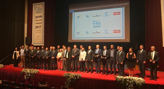 Medipol Mega Üniversite Hastanesi'ne Yılın Sağlık Kuruluşu ödülü