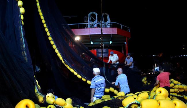 İstanbullu balıkçılar 'vira bismillah' dedi