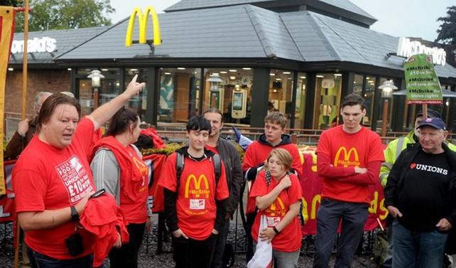 McDonalds çalışanları ilk kez greve gitti