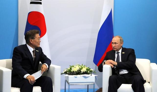 Putin ve Moon Kuzey Kore'yi görüştü