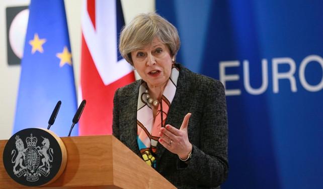 İngiltere göçe katı sınırlamalar getirmeyi düşünüyor