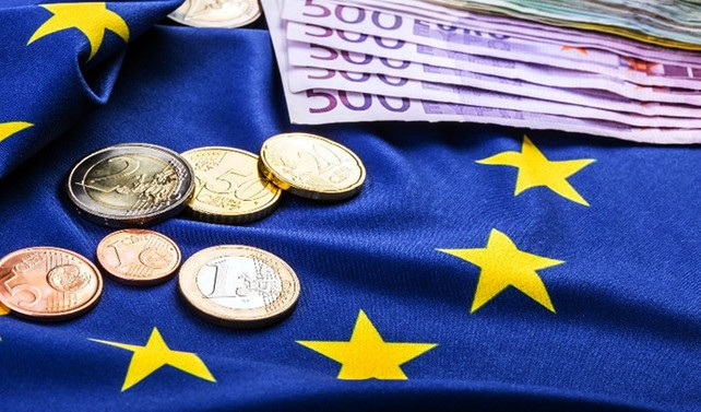 Bu yıl yüzde 14 yükselen euro, Draghi'yi bekliyor