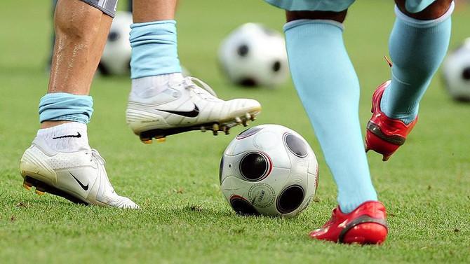 Futbolda birinci transfer dönemi yarın sona erecek