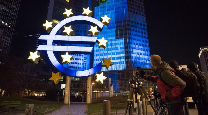 ECB, dört seçeneği görüştü