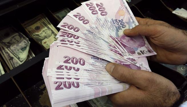 Türk Lirası Dolar Karşısında Bir Ilke Imza Attı