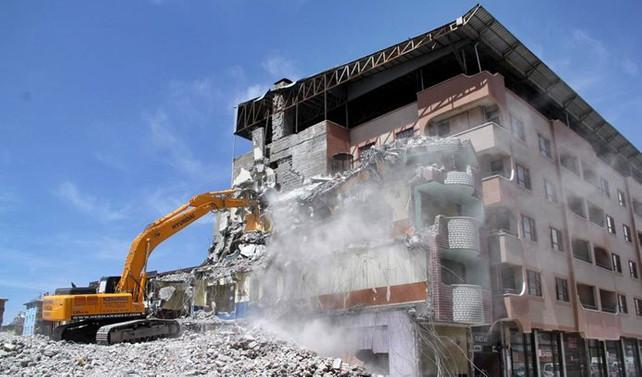 Risk taşımayan binalar yıkılamayacak
