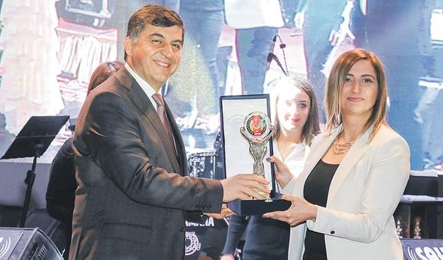 Gaziantep Gazeteciler Cemiyeti'nden DÜNYA'ya ödül