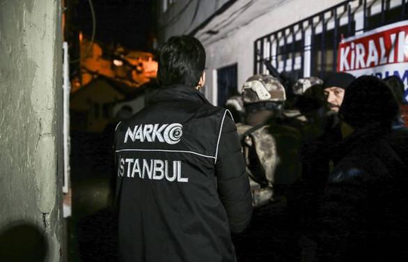 İstanbul'da 20 adrese uyuşturucu operasyonu