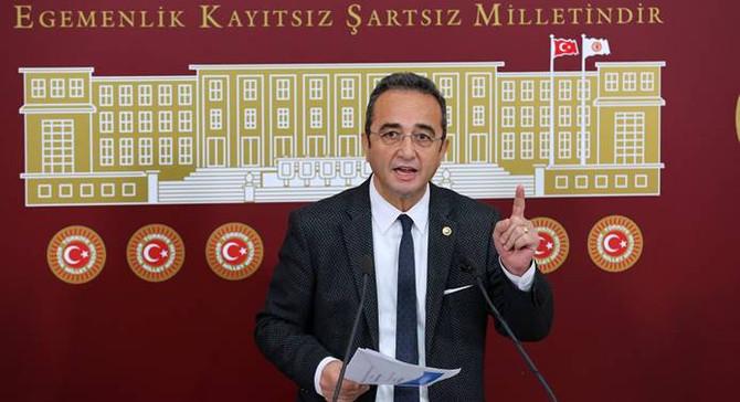 Meclis'te basın toplantısı şampiyonu CHP