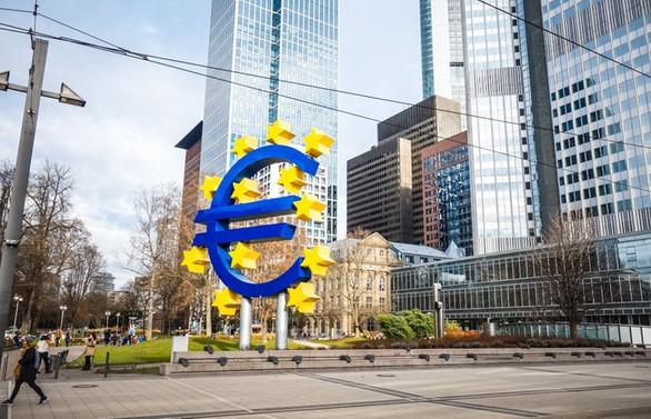Euro Bölgesi'nde imalat aktivitesi 20 yılın zirvesinde