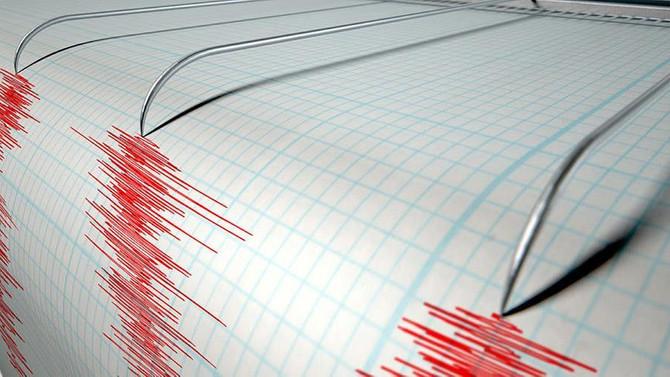 Yunanistan yeni yılı depremle karşıladı