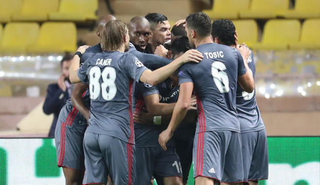 Beşiktaş, Antalyaspor'a konuk oluyor
